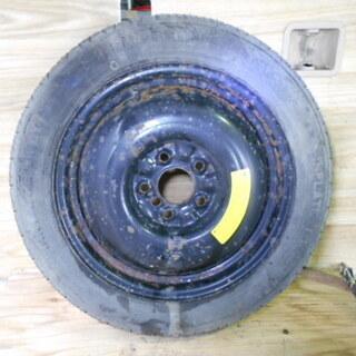 年式:2008/04 日産 セレナ C25 16インチ テンパー...