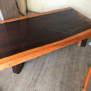 中古 合わせ天然木 無垢の座卓 変色箇所あり。