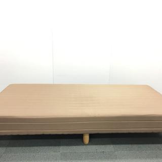 【良品】薄茶色のベッド