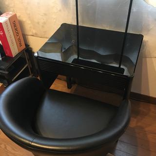 上質PVCレザーのブラックキャスターチェア(高さ調整可能)黒