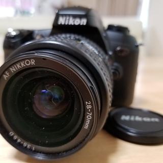 ★希少!Nikon u2フィルム一眼+Wズーム+スピードライトの...