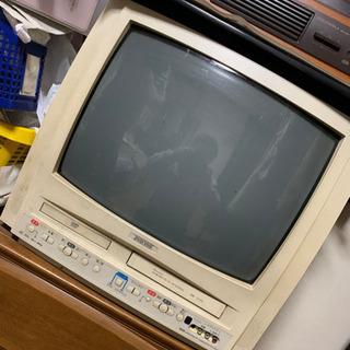 ブラウン管テレビ DVD VHS一体型 売り切り 破格