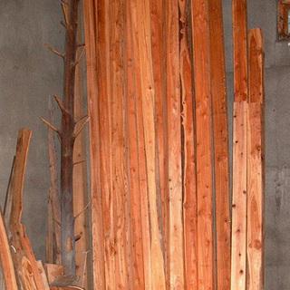 年代物の木材ですが・・■10.5㎝角の柱材を20本セットで