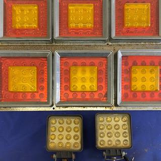 大型 LEDテールランプ x2  作業灯x2