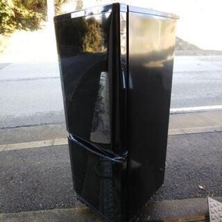 超美品 三菱 146L「ラウンドカットデザイン」静音設計 耐熱約100℃トップテーブル 冷蔵庫【MR-P15D-B】2018年製品           - 茨木市