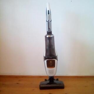 エレクトラックス コードレス サイクロン掃除機