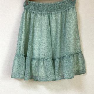 リバティ生地のスカート