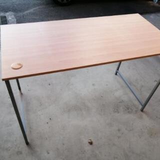 オフィステーブルの画像