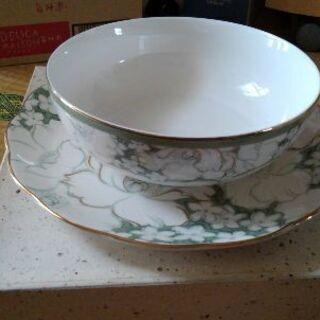 NARUMIの大皿と深皿