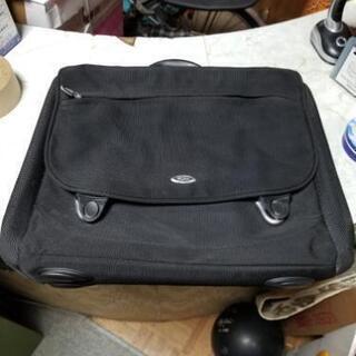 TUMIビジネスバッグです