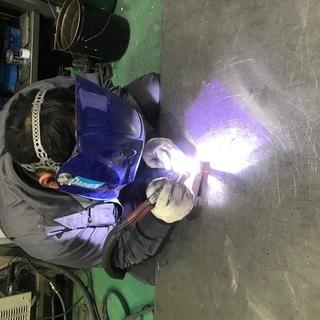 製造スタッフ(溶接、板金)技術により月収23万から45万