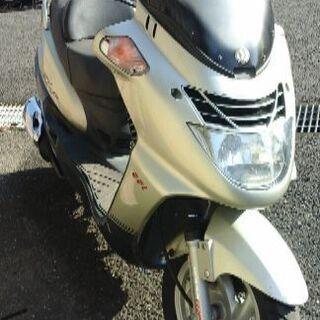 人気の 125 cc RV 125 EFi 走行距離少ない !!...