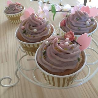 春のお菓子作り 〜桜のカップケーキ〜