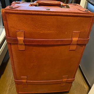 3/16まで スーツケース レザーの画像