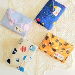 ミニトートバッグ、バッグと同じ柄の三つ折り財布、コインケース等
