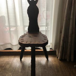 アンティーク、猫の椅子