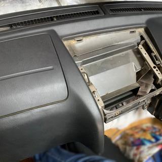 R34スカイライン 4ドアセダン 内装ダッシュボード