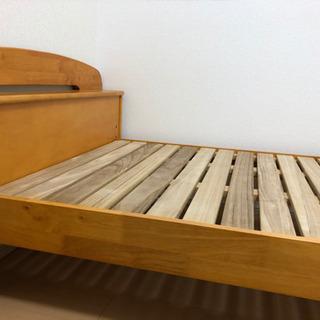 シングルベッドフレーム木材