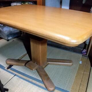 ヒーター付き昇降式テーブル