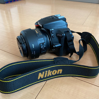 ニコン D5600  単焦点35mm バッテリー2個 SDカード付き