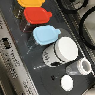 調味料入れ(ニトリ 、リベラリスタ)