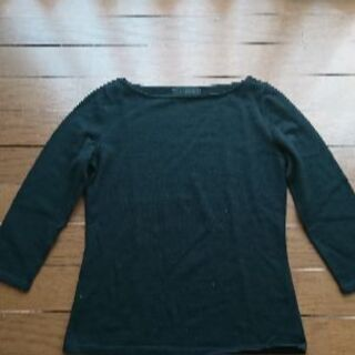 美品 アンタイトルの黒セーター サイズM