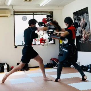 お昼にパーソナルキックボクシング