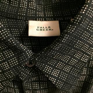 黒チェック柄シャツ