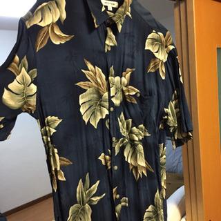 ハワイアン柄シャツ