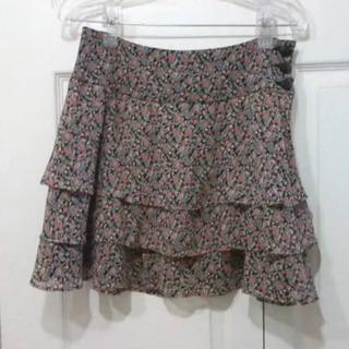 500→100円‼️大幅値下げ‼️赤花柄ミニスカート