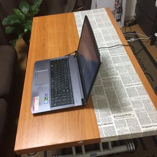 高さ、大きさが変えられるテーブル