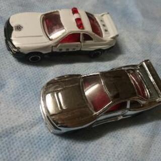 トミカ R33 GTR 2台