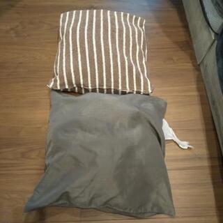 IKEA クッション 2個