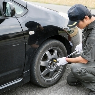 急募!自動車整備士×月収24万円~×八幡市西区〇完全週休2日制 ...