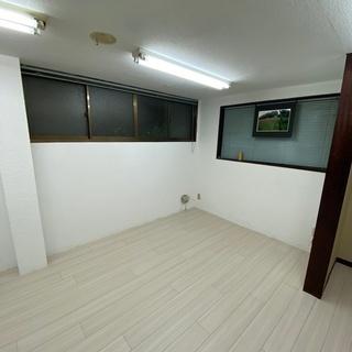 15畳!事務所・倉庫に!マンション1階の風呂無し物件です。