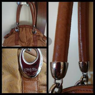 フォリフォリのバッグ