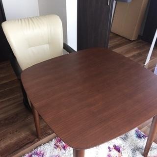 テーブルW800×800 H700   回転チェアーとセット