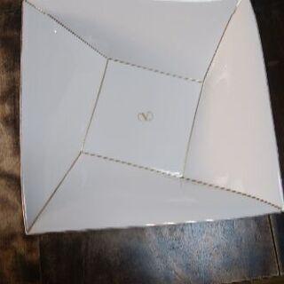 ヴァレンティノのサラダボウル(陶器製)