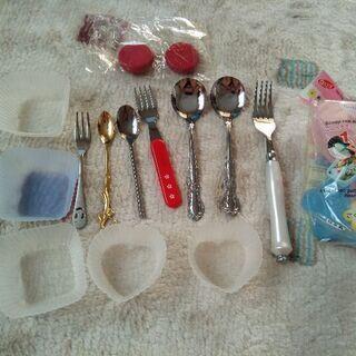 カトラリー、シリコンカップ、箸置き2個、おにぎり型のまとめ売り
