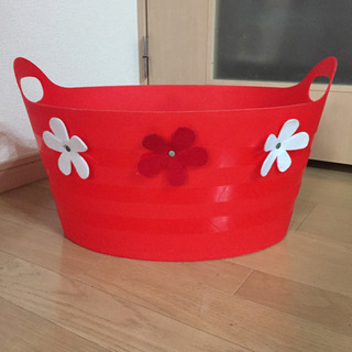 しっかりかための持ち手付プラスチックケース お花×赤色