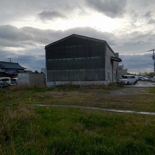 鉄骨、木造スレート葺2階建、店舗併用住宅及び雑種地賃貸します