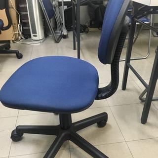パイプ椅子 多数あり