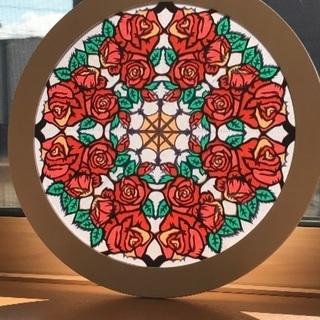 米沢市 紙で作るステンドグラス ローズウィンドウ