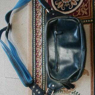 紳士用 ブルーのウエストバッグ