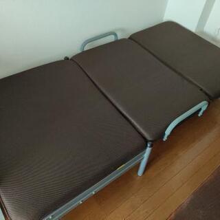 ニトリ折りたたみベッド