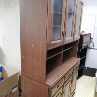 食器棚  (Cupboard) お譲り致します