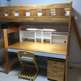 二階建ての学習机とベッド(現在交渉中!)の画像