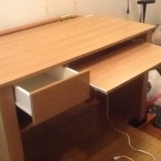 まだまだ綺麗な机です。=(^.^)=