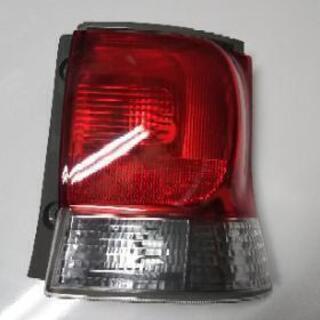 タント L375S 右 テールレンズ 新品