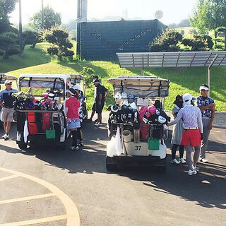 初心者専門の少人数制ゴルフスクール(初心者対象のコンペがたくさん...